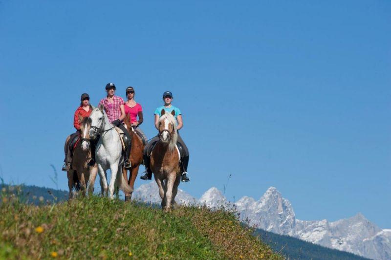 Altenmarkt-Zauchensee-TourismusSportNaturReitenPferde